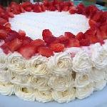 Strawberry summer cake - to die for!