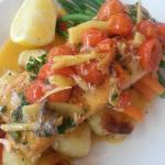 Salmon with ginger and veg