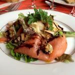 La salade Terre et Mer saumon foie gras