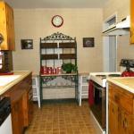 Julian Pines kitchen