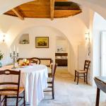 """Sala da pranzo Trullo """"Romantico"""" - Dining room of Trullo """"Romantico"""""""