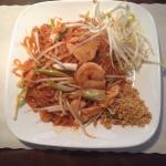 Chicken shrimp Pad Thai