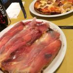 Pizza al tegamino speck e porcini e pizza salsiccia e porcini!