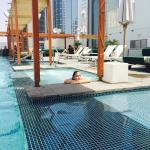 Pool - voco Dubai Photo