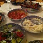 Cena incluida en el Bono de Groupalia. Ensalada marroquí+ arroz con salsa de tomate+ pinchos