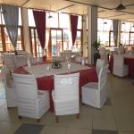 Very spacious and welcoming restaurant with a lively atmospheret