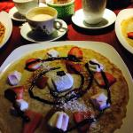 marshmallow/strawberry pancake with chocolatesauce