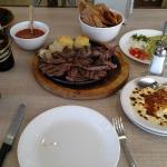 Foto de Los Fresnos Restaurant Bar