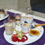 Très bon repas ce midi. .avec un bonus pour le café gourmand..très apprécié
