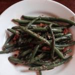 Delicious green beans as a side order.