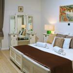 Deluxe one bedroom apartment-room