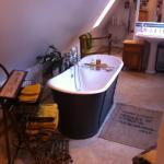 Roll top bathx