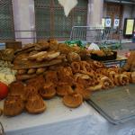近所のマルシェにてパン屋