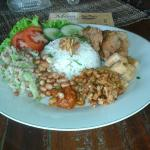 Photo de Warung Made Becik