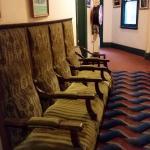 Стариные кресла.