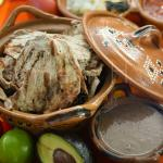 Poc-chuc: Grilld pork meat prepared in citrus marinade/ Carne de puerco marinada en naranja agri