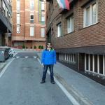 Na frente do hotel