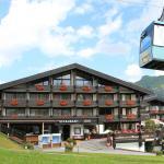 Burg Hotel in Oberlech im Sommer
