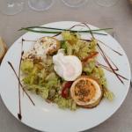 salade de chevre chaud oeuf poché