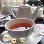 Darjeeling tea served as it should be served ...