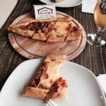 Enjoyed lunch at the Barbecue House cafe at Han Hotel. Pizza with withe well chilled beer!