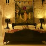 Indulgence Divine bedroom - the old house chapel.