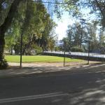parque frente al hotel