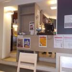 Vista de parte de la cafetería