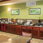 Newly renovated complimentary hot breakfast