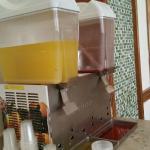 Lecker Frühstückssaft-Theke, ekelig
