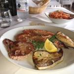 """Foto di IL PORTICO """"Griglieria Friggitoria Shushi Restaurant Pizzeria Tapas bar Colazioni Internazionali"""""""