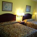 Foto de Tropicana Inn & Suites Dallas