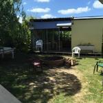 Área recreativa externa, em frente a uma das cozinhas