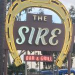 Cool, retro bar & grill