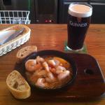 Garlic & chilli prawns