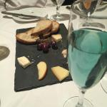 Blue Bubbly & Cheese Plate