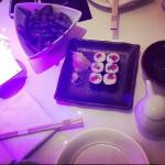 Spicy Tuna roll and edamame