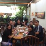 Con amigos en el desayuno
