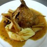Pato asado con salsifis