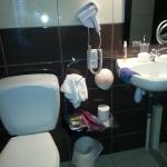 Rangement salle d'eau chambre 1
