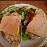 Assiette de foie gras de canard entier mi-cuit terrine maison