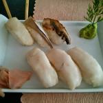 Nigiris de pez mantequilla, lubina, anguila y caballa