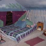"""All rooms are themed. We stayed in """"Hammock"""" bed, & graffiti walls."""
