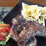 L'Isola Restaurant & Lounge