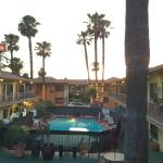 Foto de Studio City Court Yard Hotel