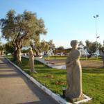 αγαλματα στον κηπο