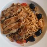 Kaya Kaya Cafe has added a new menu, a delicious Aglio Chicken. It's so yummy... must TRY