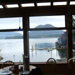 Foto de HI-Tofino - Whaler's on the Point Guesthouse
