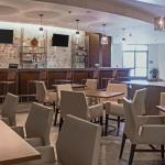 Our Newport News hotel's Dining area
