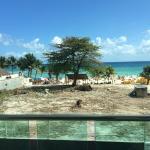 Vista do terreno que fica entre o hotel e a praia